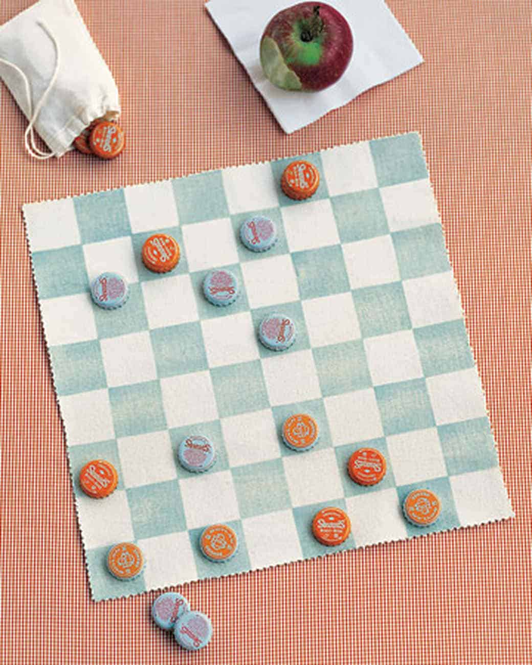 Bottle cap checkers game with a DIY canvas board