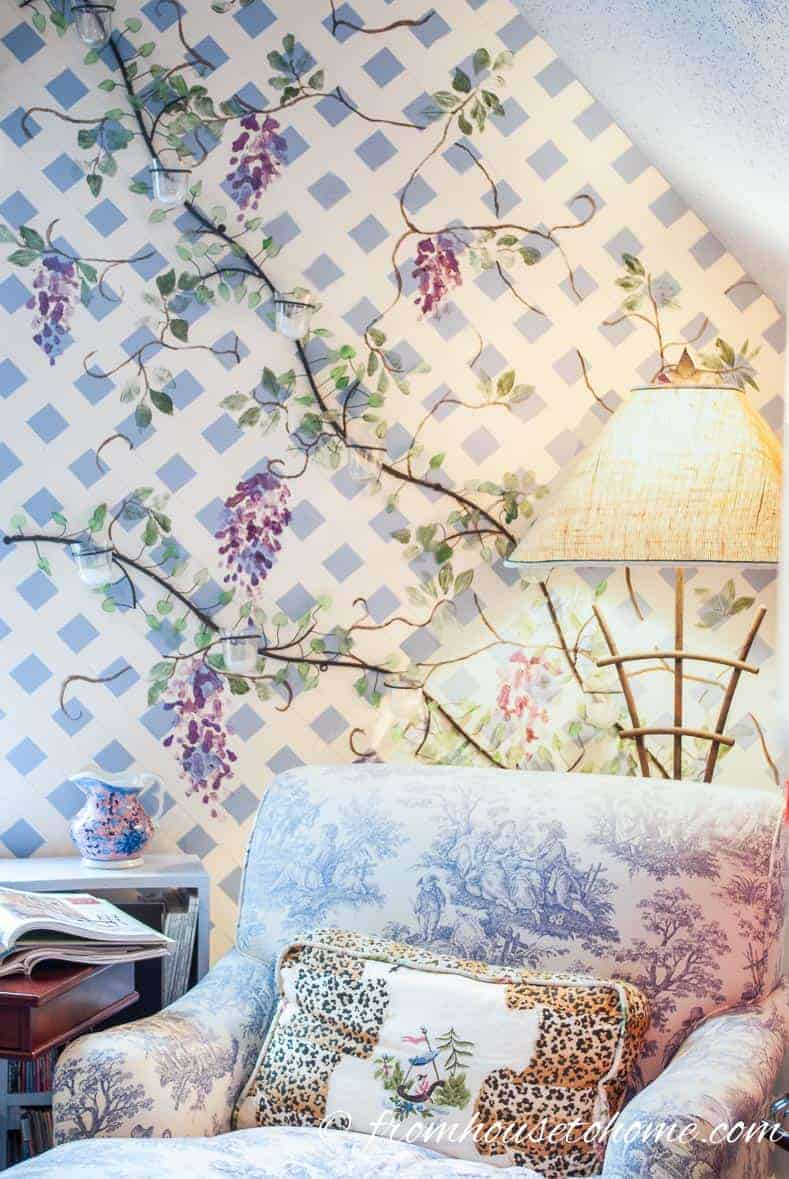 How to paint a pretty trellis wall with painter's tape
